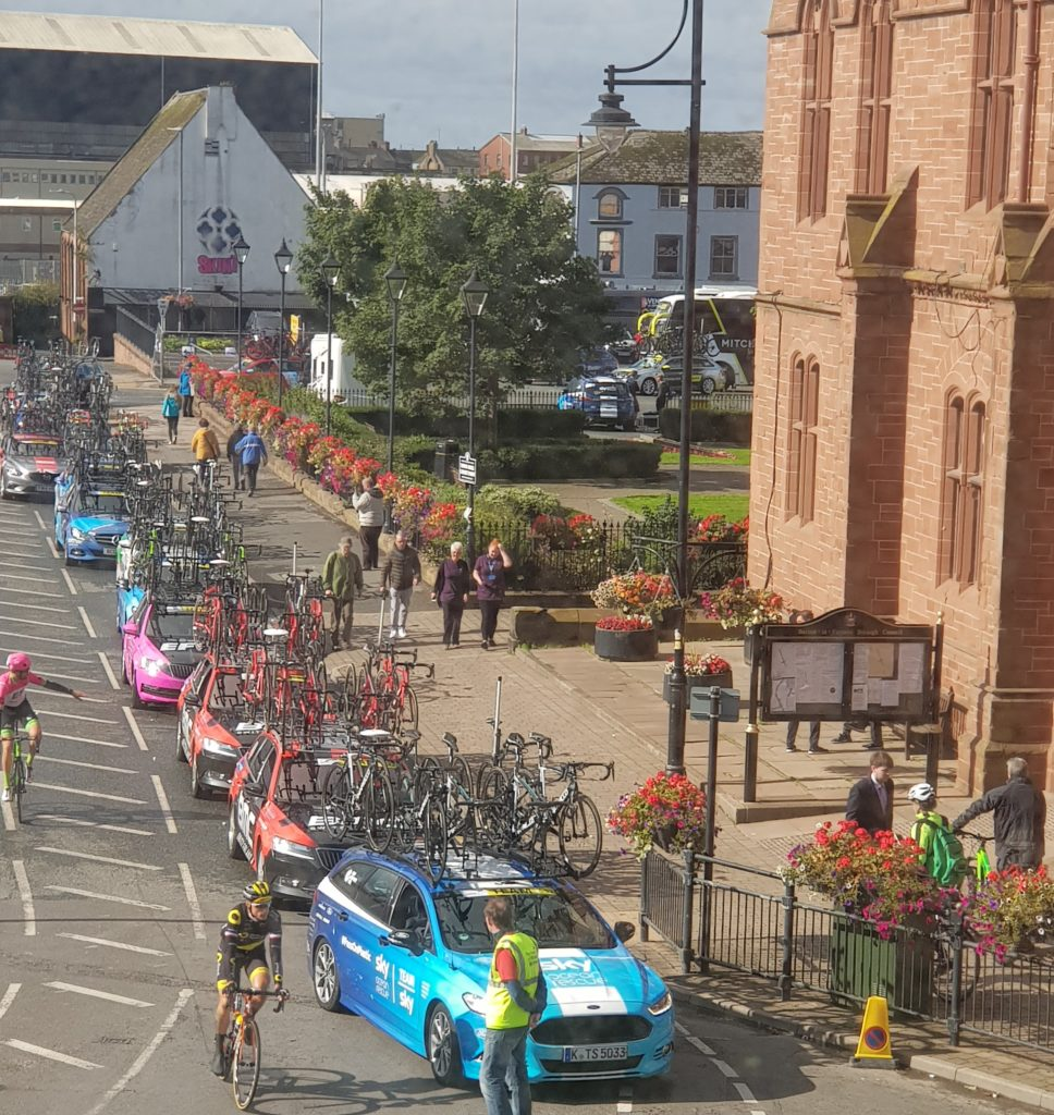the spare bikes follow the race as cyclists moveoff